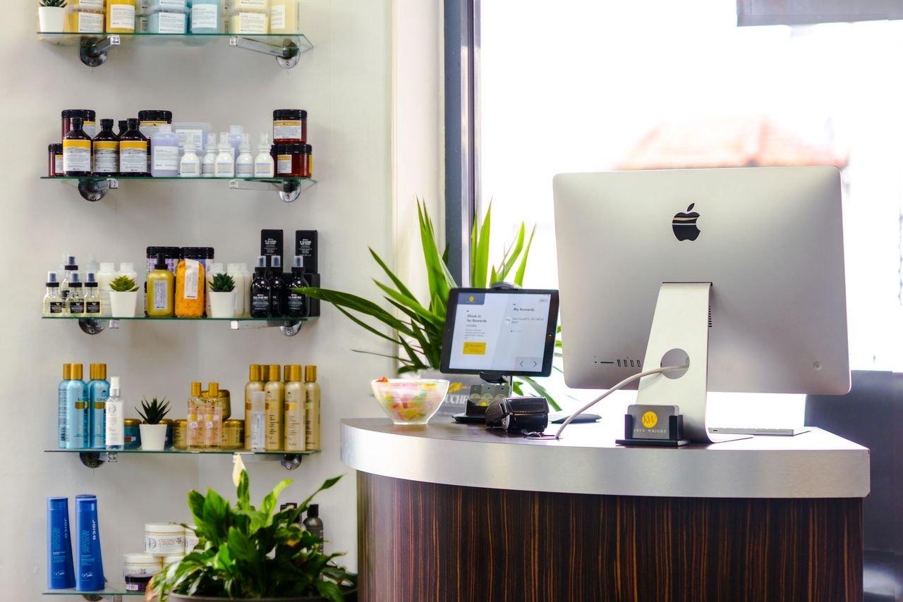Karen Wright Salon Image